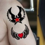 Voorkoms  Red Heart Star with Winged Ta..